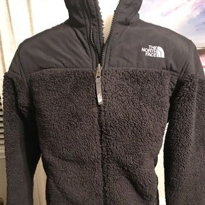 Boys or Girls Sz Large North Face Fuzzy Coat